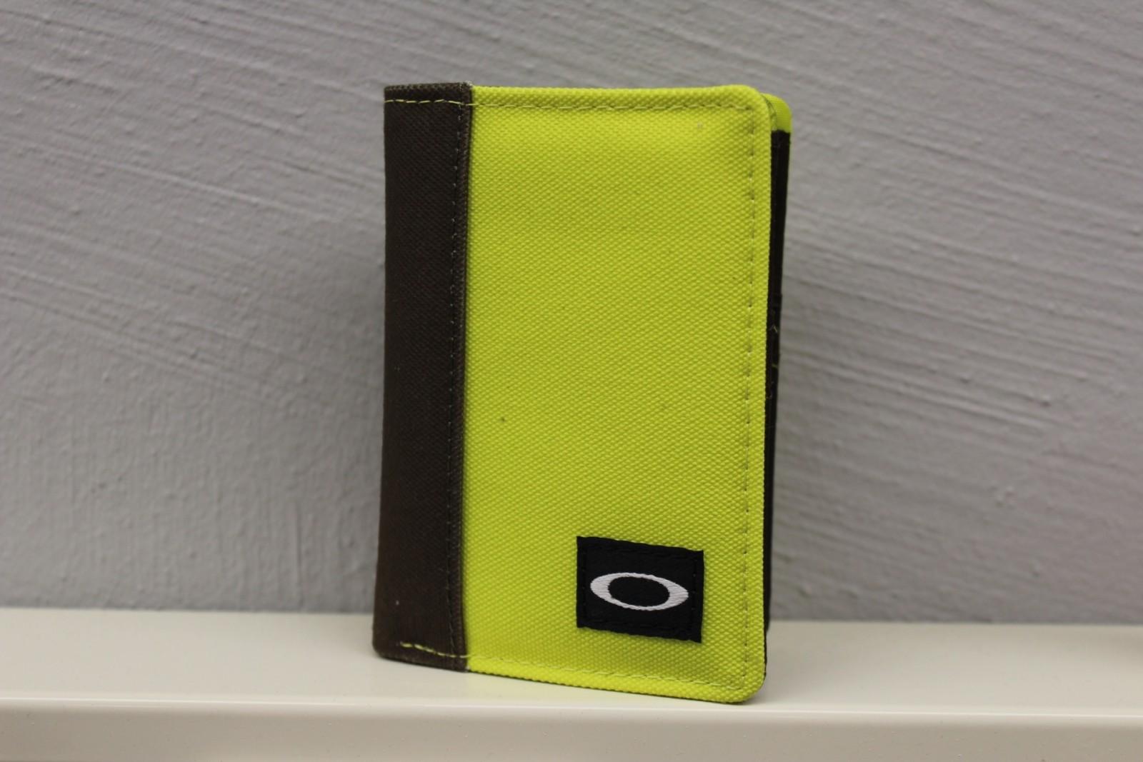Webshop Portemonnee.Oakley Lock Box Wallet Canteen 95144 87y Portemonnee Shop For